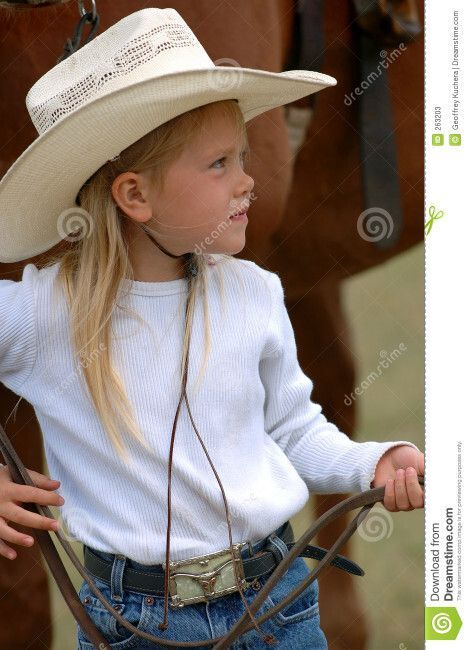 young, 263203, litt, holding, cowgirl, and, little, reins