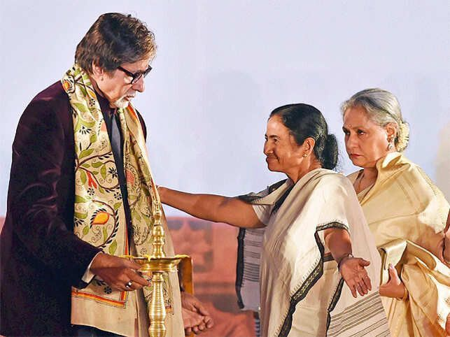 21st, film, festival, banarjee, mamata, bachchan, kolkata, inaugurated, amitabh, by, mamta, international, banerjee, nude